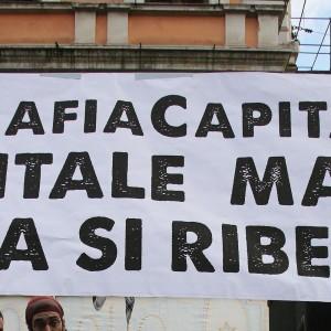 Mafia Roma: al via corteo Movimenti, 'giù mani da città'